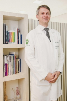 Dr. Cleber Lotti